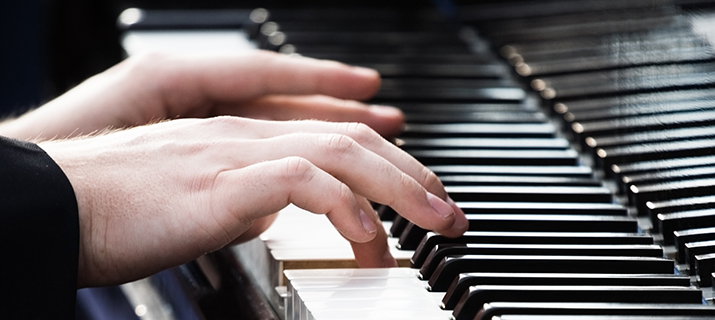 PIANO TUITION – COME AND PLAY!